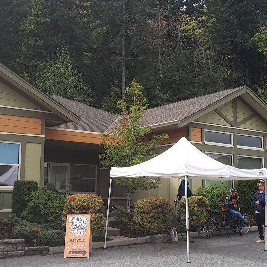 #weouthere at the first of our VIU basic maintenance workshops! It's a bit rainy, but that means it will be easier to clean ;) we'll be here till 4pm then at the shop 6-8pm for Volunteer Night! Come on down! http://ift.tt/2xe4zj0